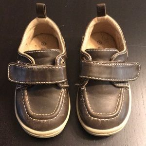 TODDLER LOAFERS, SZ 5